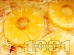 Домашна бисквитена торта с нишестен крем ванилия, ананас от консерва и ром - снимка на рецептата